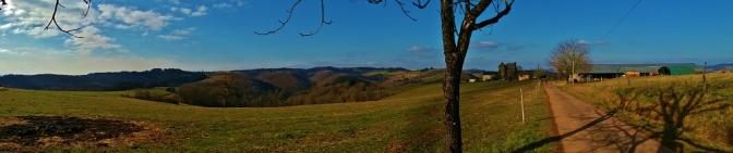Près du hameau et du chateau Le Theil